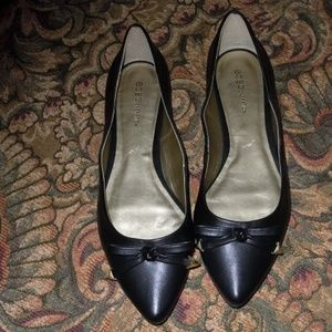 BCBG Generation Black Flats With Bow Detail